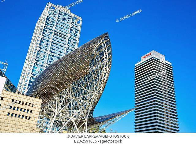 Mapfre tower, Arts Hotel, Sculpture 'Fish' of Frank Gehry, Puerto Olimpico, Olympic Harbour, Barcelona. Catalonia, Spain