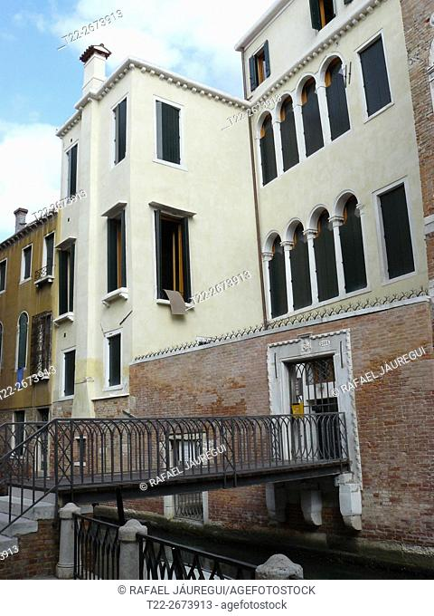 Venice Italy). Access to housing in the city of Venice