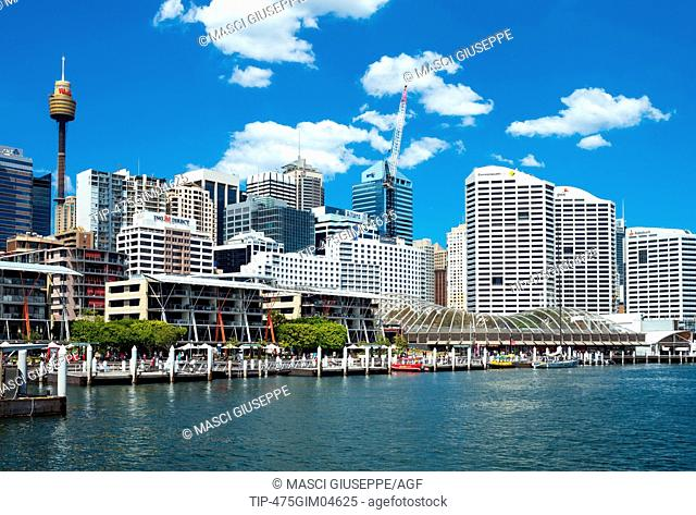 Australia, Sydney, modern buildings and tourist facilities in Darlin Harbour