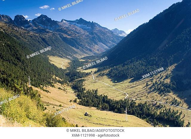 Ruda Valley  Aran Valley  Pyrenees mountain range  Lerida province  Catalonia, Spain, Europe
