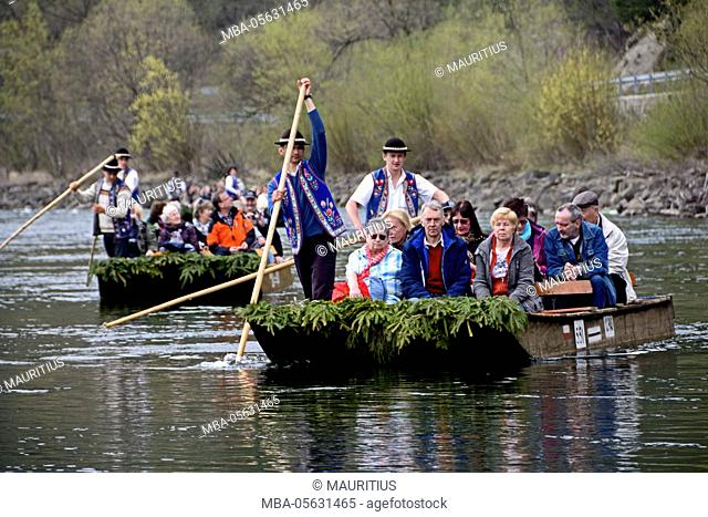 Poland, journey with the 'Goralen raft' on the Dunajec River