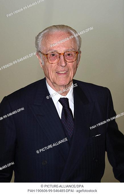 06 June 2019, Bavaria, Munich: Duke Franz of Bavaria stands in an exhibition room at a photo shoot on the occasion of a donation of works by Baselitz to the...