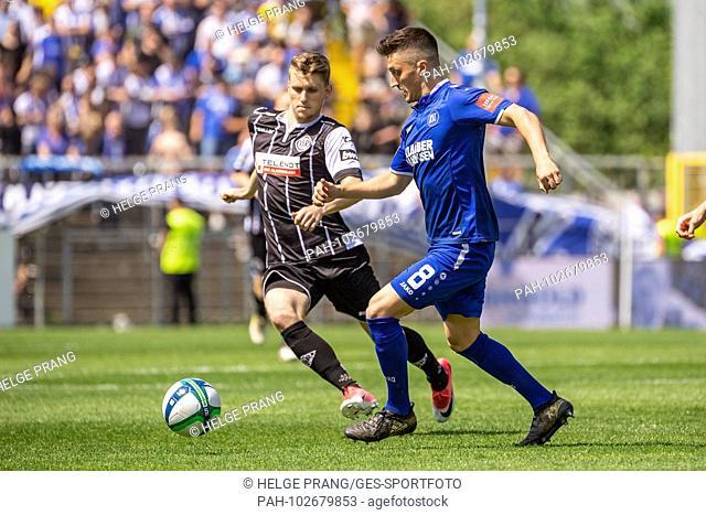 Marcel Mehlem (KSC) in the duels with Lukas LÃ'mmel (Aalen). GES / Soccer / 3rd Bundesliga: GES / Soccer / VfR Aalen - Karlsruher SC, 05.05