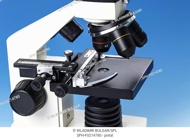 Light microscope stage and lenses