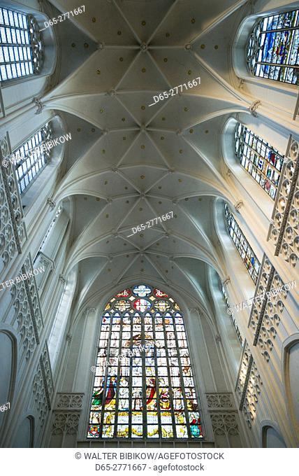 Belgium, Antwerp, Groenplaats, Onze-Lieve-Vrouwekathedraal cathedral, ceiling