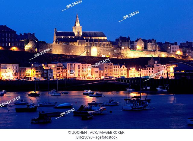 FRA, France, Normandy, Grandville: Habour and Oldtown