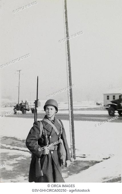 Military Soldier in Uniform with Rifle, Portrait, WWII, HQ 2nd Battalion, 389th Infantry, US Army Military Base, Indiana, USA, 1942