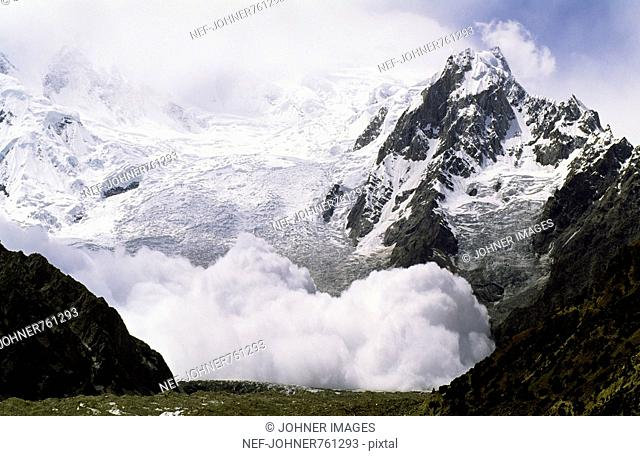 An avalanche of loose snow, Passu, Pakistan