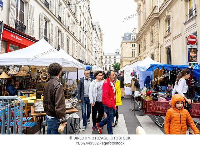 Paris, France, People Shopping French Garage Sale, Brocante, on Street in Le Marais District, Rue de Bretagne, Square du Temple