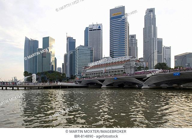 Financial District of Singapore behind Marina Bay, Singapore, Southeast Asia