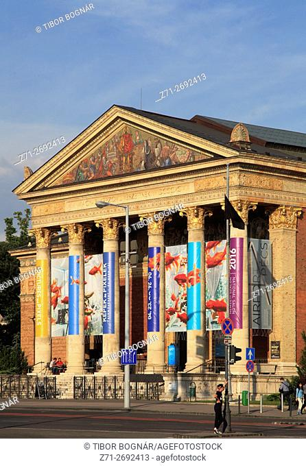 Hungary, Budapest, Hall of Art, Muýcsarnok, contemporary art museum,