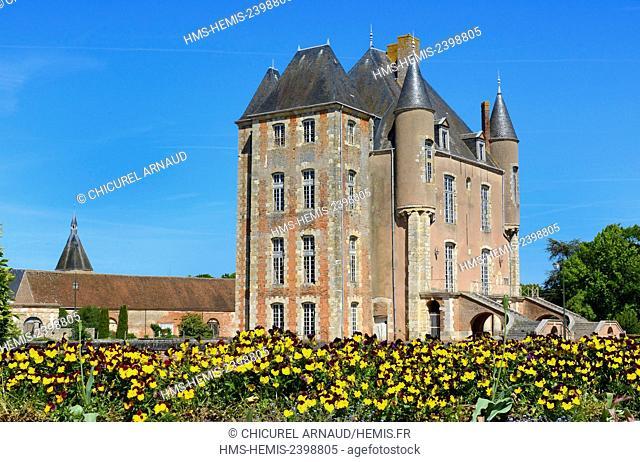 France, Loiret, Bellegarde, the castle