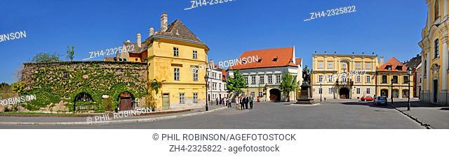 Gyor, Western Transdanubia, Hungary. Becsi kapu ter (square)