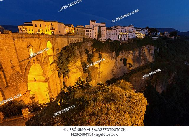 Cliffside, the 'tajo' (canyon) and Puente Nuevo bridge, Ronda, Serrania de Ronda, Malaga province, Andalusia, Spain