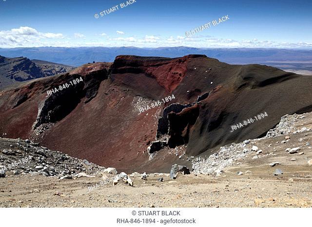 Red Crater along the Tongariro Alpine Crossing, Tongariro National Park, UNESCO World Heritage Site, North Island, New Zealand, Pacific
