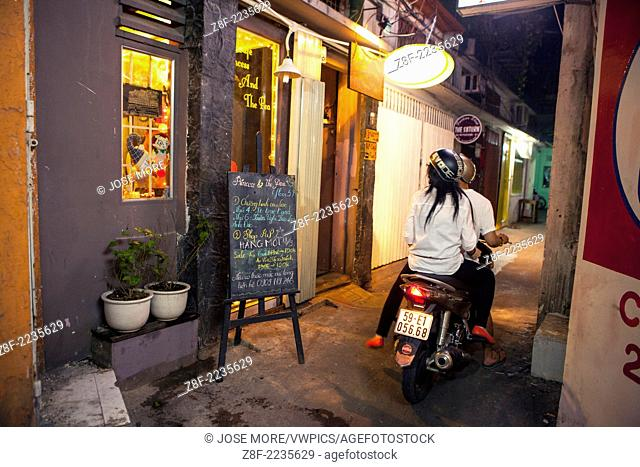 Western style sidewalk restaurants and cafe's are all over Ho Chi Minh City ( Thành ph? H? Chí Minh ). Formerly named Saigon