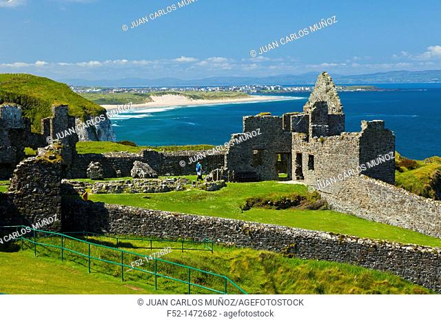 Dunluce Castle  Bushmills  Causeway Coastal Route  Antrim County, Northern Ireland, Europe