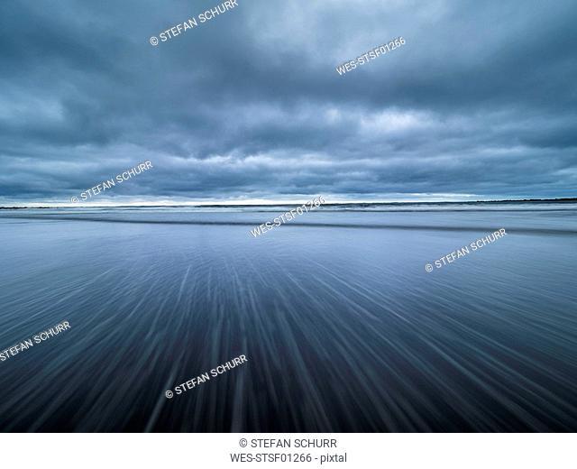 New Zealand, North Island, Taranaki, Opanake Beach, long exposure