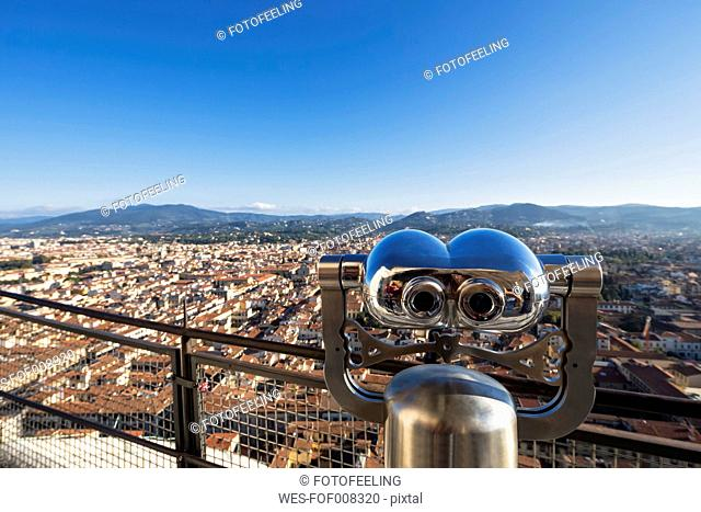 Italy, Tuscany, Florence, Binocular and cityscape