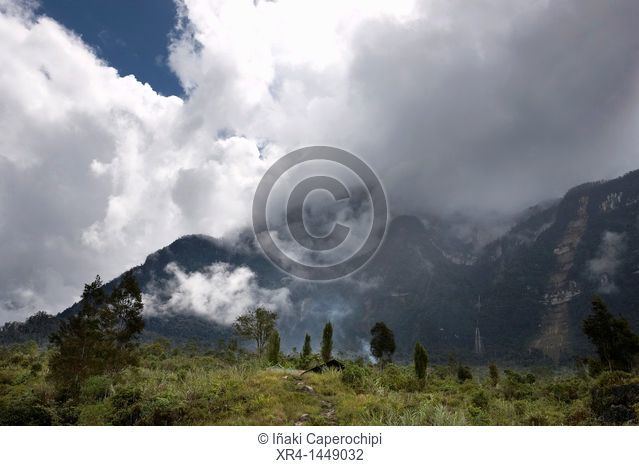 Mountains and clouds, Baliem Valley, Western New Guinea, Irian Jaya, Papua, Indonesia