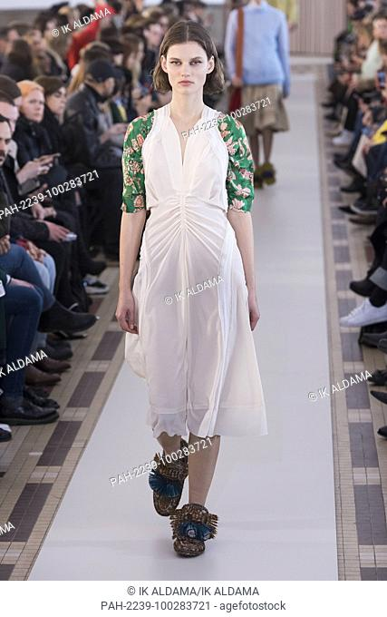 CARVEN 'Äãrunway show during Paris Fashion Week, Pret-a-Porter Autumn Winter 2018 - 2019 collection - Paris, France 01/03/2018. | usage worldwide