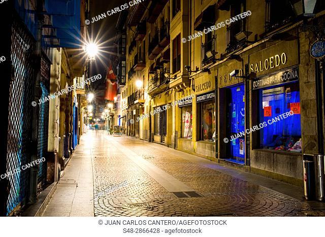 Calle Tenderia en el Casco Viejo de Bilbao. Vizcaya. Pais Vasco. España. Europa