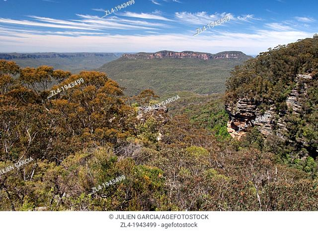 View from Bridal Veil Lookout, Blue Mountains. Australia, New South Wales, Blue Mountains, Prince Henry Cliff Track, Bridal Veil Lookout