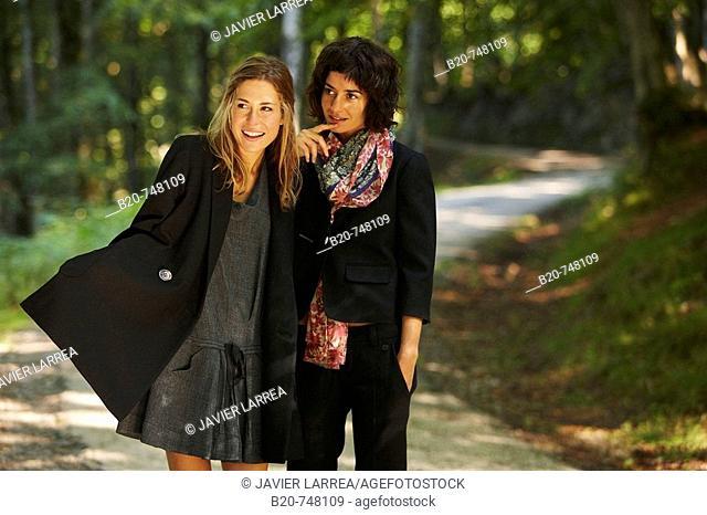 25-30 year old women. Belate, Baztan, Navarra