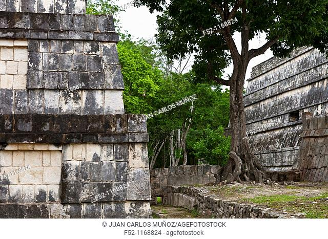 Temple of the Warriors, Chichen Itza Maya archaeological site, Yucatan, Mexico