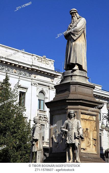 Italy, Lombardy, Milan, Leonardo da Vinci statue