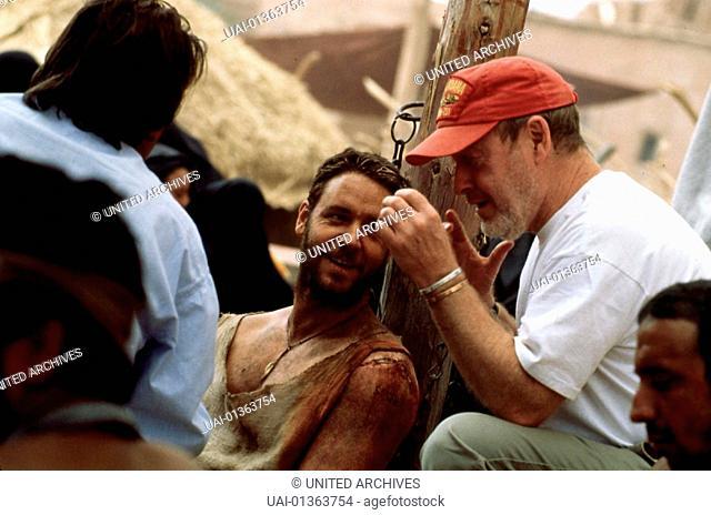 Ridley Scott, 1990er, 1990s, 1999, Dreharbeiten, Gladiator, Kappe, Regisseur, Scott, Ridley, cap, director, on the set, shooting, Ridley Scott, 1990er, 1990s