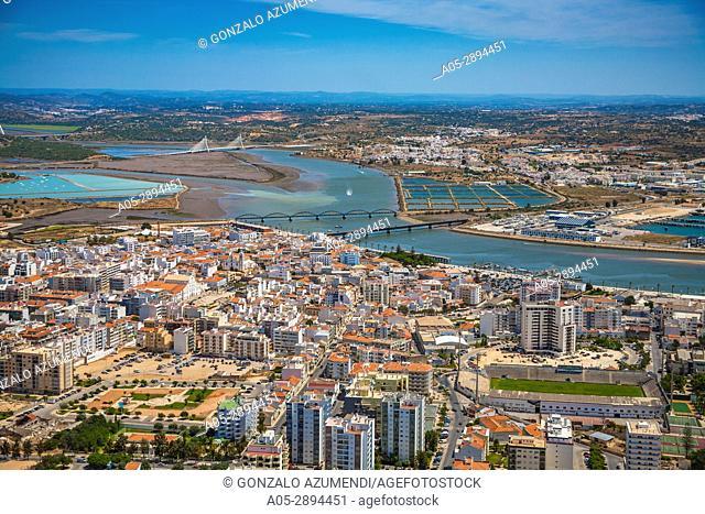 Portimao. Fishing port. Mussels in Arade estuary. Faro district. Lagoa Municipality. Algarve. Portugal