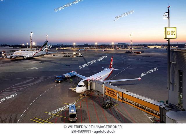 Aircrafts on runway, Airberlin and Emirates, Düsseldorf Airport, Düsseldorf, North Rhine-Westphalia, Germany
