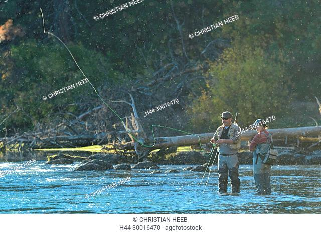 North America, USA, Central Oregon, Oregon, Deschutes river at Dillon Falls with people fly fishing