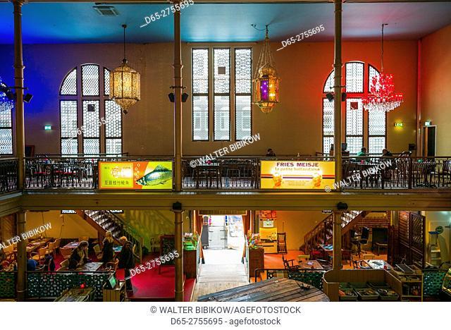 Netherlands, Amsterdam, Albert Cuypstraat street market, interior of the Bazaar restaurant inside old synagogue