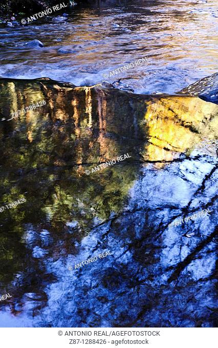 Río Jarama, Colmenar de la Sierra  Macizo del Pico del Lobo, Parque Natural Sierra Norte de Guadalajara, Guadalajara, Spain