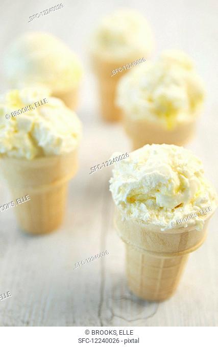Lemon meringue ice cream in cones
