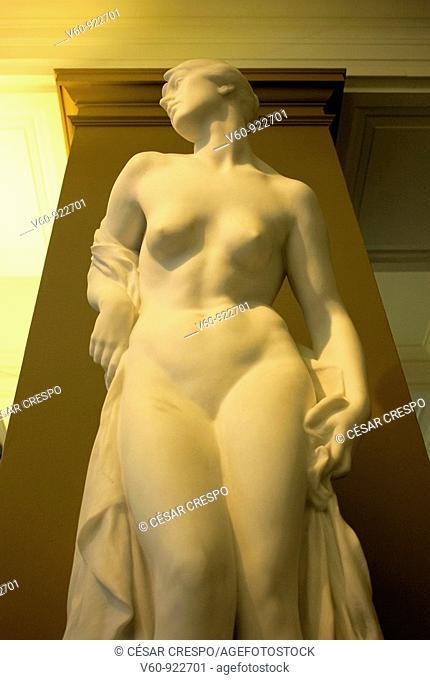 -Art in Victoria & Albert Museum- London