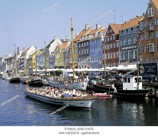 10632015, holiday boat, bright, colours, Denmark, Europe, house line, canal, channel, Copenhagen, Nyhavn, ship