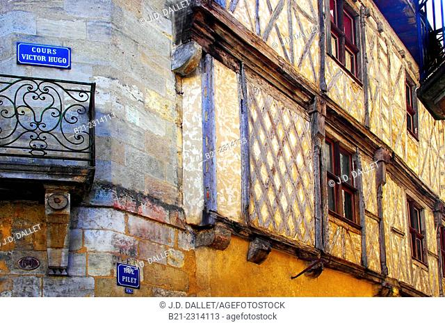 One of the last Middle Age house on Rue Pilet at Bordeaux, Gironde, Aquitaine, France