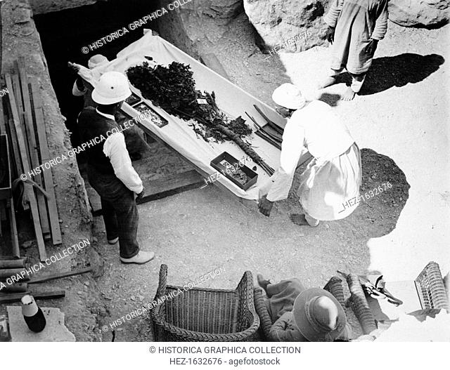 Funeral bouquet being removed from the tomb of Tutankhamun, Valley of the Kings, Egyp, 1922. The discovery of Tutankhamun's tomb in the Valley of the Kings in...
