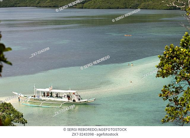 View point in Snake Island, which takes its name because of its snake shape when the tide falls. El Nido Palawan Philippines Snake Island (also known as Vigan...