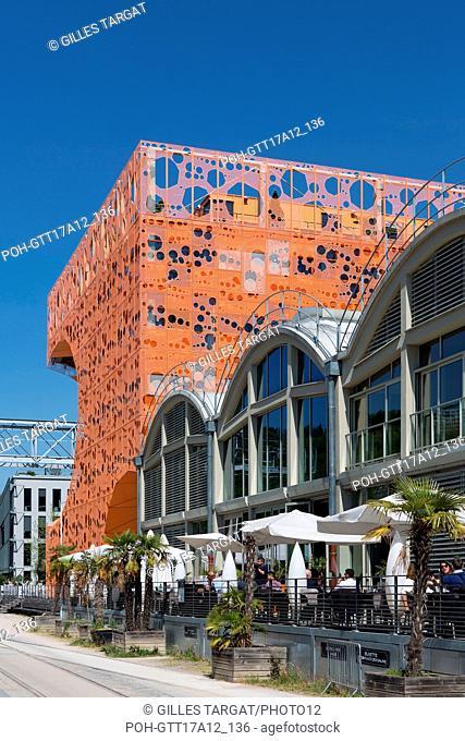 France, Lyon, Quays of the Saône River, 42 quai Rambaud, marina, harbour, building Le Cube Orange, architect Jakob + Macfarlane, Photo Gilles Targat