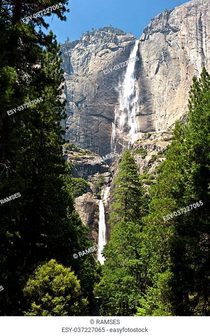 Upper und Lower Yosemite Fall at Yosemite National Park