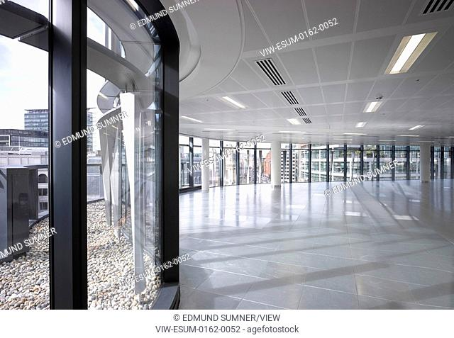 60 London at Holborn Viaduct, London, United Kingdom. Architect: Kohn Pedersen Fox Associates (KPF), 2014. Typical office floor plate on upper level