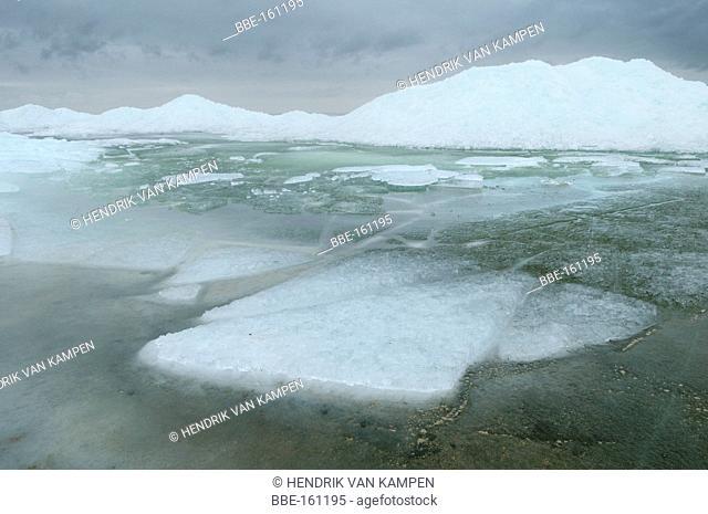 Floating ice on the IJsselmeer near Stavoren