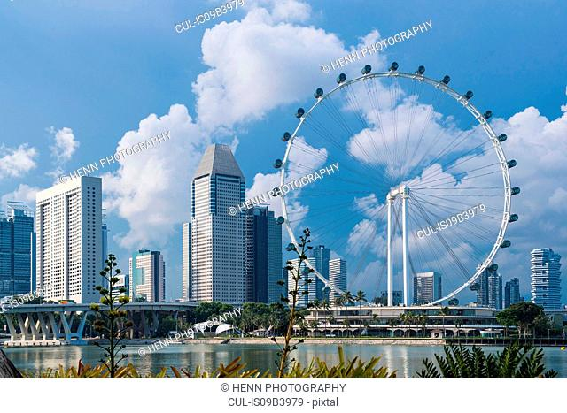 Skyline of Singapore and Singapore Flyer