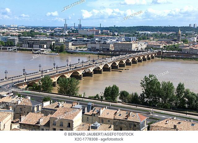 View of Bordeaux and Garonne from Tour St Michel, Bordeaux, Aquitaine, France, Europe