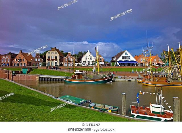 shrimp boats in the harbour, Germany, Lower Saxony, East Frisia, Greetsiel