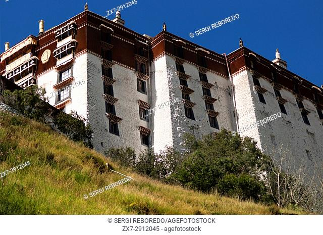 The Potala Palace former chief residence of the Dalai Lama, UNESCO World Heritage Site, Lhasa, Tibet, China